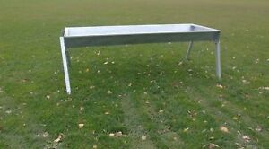 IAE 8FT FREE STANDING DOUBLE SIDED CALF TROUGH