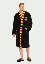 Hombre Harry Potter Hogwarts bata con bufanda detalle