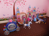 Disney Princess Cinderella`s Castle with Carriage and Horse + Godmother + Extras