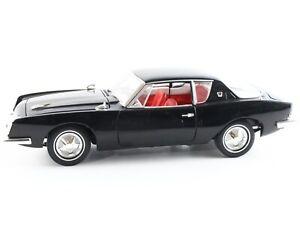 1963 Studebaker Avanti Black Signature Models 1:18 Scale