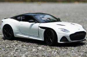 Welly 1:24 Aston Martin DBS Superleggra Diecast Model Sports Racing Car White