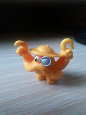 MOSHI MONSTER SERIES 2 ELECTRIC YELLOW CONONEL CATCHER FIGURE.