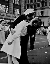 """New York City Times Square Kiss 8""""x 10"""" World War II WW 2 Photo Picture #17"""