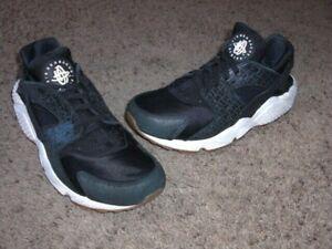 Nike Air Huarache Women's Running Shoes US 8 Black-Sail-Croc print  683818-011