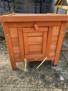 TRIXIE NATURAL WOOD OUTDOOR SMALL ANIMAL HUTCH RABBIT GUINEA PIG 42 X 43 X 51 CM