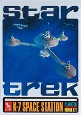 STAR TREK : FEDERATION K-7 SPACE STATION MODEL KIT WITH TRIBBLE & ENTERPRISE
