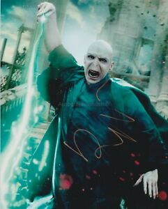 Ralph Fiennes HAND SIGNED 8x10 Photo, Autograph Harry Potter Voldermort