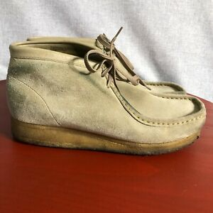 Clarks Wallabees Men's Size 9M Shoes Beige Suede Lace Up Casual Chukka Mocassins