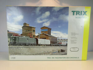 Trix, Minitrix 11128 DCC Ready N Scale Starter Set w/Freight Train DB Class 140.