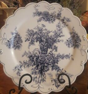 """Blue White Rose Floral Decor Plate ~ SCALLOPED W HANGAR ~ French  country ~ 12"""""""
