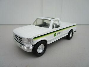 Ertl John Deere Company Pickup Truck 1:32 scale #5795