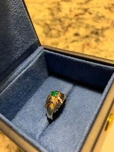 VCA Van Cleef & Arpels Vintage Emerald and Diamond gold ring
