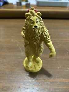 Wizard of OZ Figurine Cowardly Lion 1939 Loews 1966  MGM 1987 Turner Entertain