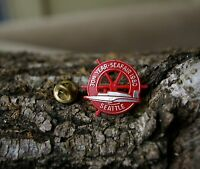Member Beer Drinkers Hall of Fame 1986 Gold Tone Metal Badge Lapel Pin Pinback