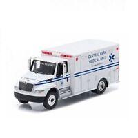1/64 Greenlight International Durastar Ambulance Central Park Medical 33040A