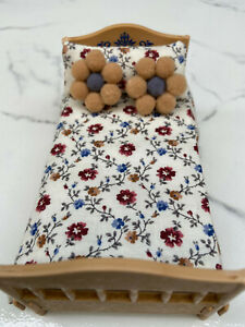 Mini Dollhouse Bedspread Comforter blanket 3 Pillow 1:16 scale brown floral