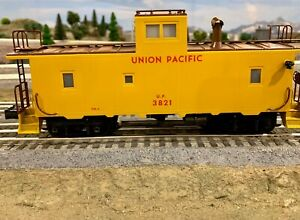 Right of Way Industries brass smoking Yellow Union Pacific Caboose