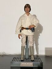 Hot Toys Star Wars MMS297 Luke Skywalker 1/6 Scale