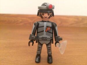 Playmobil 4881 Secret Agent hat, cuffs
