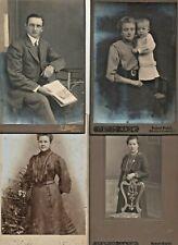 4 alte Fotos auf Hartkarton (ca. Postkartengröße)