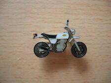 Pin badge Honda APE 50 blanc white moto vélomoteur Art. 0898