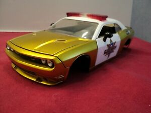 Jada 2008 Dodge Challenger SRT8  1:24 Scale used sold as-is scratch & dent
