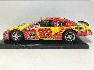 1/32 SLOT CAR  SCX  2005 MONTE CARLO # 29 (KEVIN HARVICK)