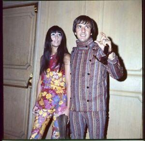 Sonny & Cher Refroidir Vintage Mode Coloré Psychédélique Vêtements Transparence