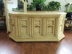 """Vintage Drexel Heritage Country French Provincial Yellow Beige Wood 68""""W Buffet"""