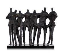 """Exceptionnellement beau Sculpture """"8 Amis sur Base en marbre. Largeur 73 cm."""