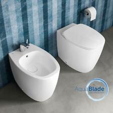 Sanitari filo muro Ideal Standard Dea vaso Aquablade, bidet e coprivaso soft