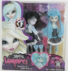 New PlayHut Mystixx Vampires Doll Azra Deluxe Set Outfitters 2-Faced Transform