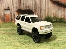 2005 Cadillac Escalade Lifted 4x4 Custom 1/64 Diecast 4WD Truck Off Road Farm