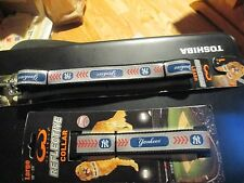 NEW YORK YANKEES   Licensed  dog REFLECTIVE LEASH LARGE 1-INCH WIDE 5 FT LONG