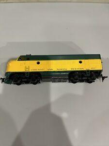 Pt6) Athearn 4072A Chicago & Northwestern F7A Dummy Locomotive HO Scale