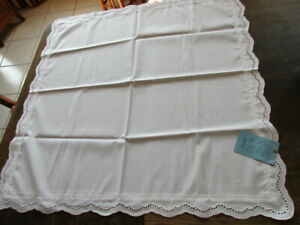 alte Baumwoll Tischtuch Tischdecke Lochstickerei 80 x 80 cm TOP VEB Stickperle