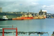 PHOTO  1994 DUNDEE NORTH SEA OIL-RIG SUPPORT VESSELS TIED UP AT VICTORIA DOCK