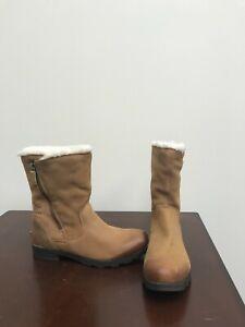 Women's Sorel Emelie Foldover Boots Size 9.