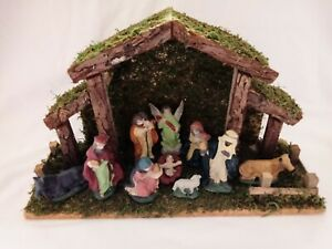 Christmas Nativity Set Wooden Stable & Ceramic Figurines Vintage Boxed