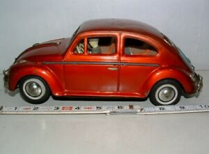 """* 1960s BANDAI BATTERY-OP TIN-LITHO 101/2"""" LONG RED TOY VOLKSWAGEN CAR w/DRIVER"""