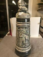 Rare Holland Mold beer stein with lid Signed !!! Pearl !