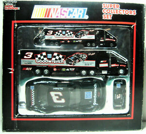 Racing Champions - NASCAR - Super Collector's Set - Dale Earnhardt - 4 Vehicles