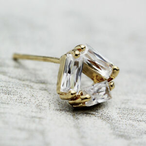 New Women's 18K GOLD Plated Crystal Triangle Lovely Stud Earrings Stunning