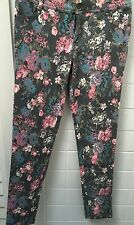 Forever 21 Size S Grey Floral Stretch Jeans EUC Casual Skinny Casual