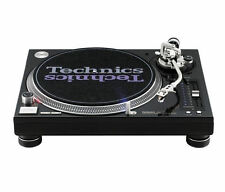 2 x Technics SL-1210M5G Turntable