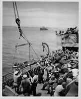 Official U.S. WW2 Photograph Wounded Returning From Sicily