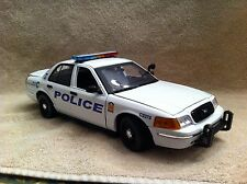 1/18 SCALE CINCINNATI OHIO POLICE FD UT  DIECAST WITH WORKING LIGHTS AND SIREN