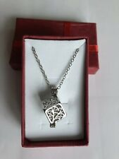Silver Cube Pearl Cage With 18'' silver Chain & Oyster Containing 1 Pearl