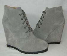 Kimchi Blue by Urban Outfitters Women's Suede Wedge Heel Ankle Boots size 8