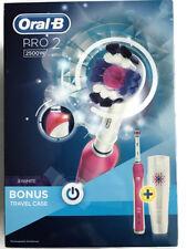 Oral B Pro 2500 Rosa +3D Blanco Cepillo de dientes recargable + Bono de Viaje